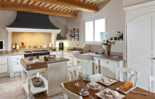 Интерьер кухни в стиле прованс.