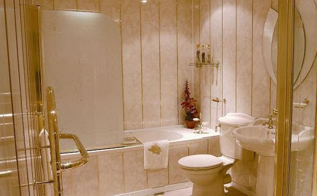 Ремонт в ванной пластиковыми панелями своими руками фото