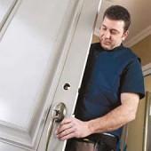 Заказать установку двери
